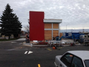 commercial-wendys-kingston-gardiners-road-flagship-store-new-design-first-in-ontario-10-exterior-front-view-with-ACM-panels-3-web