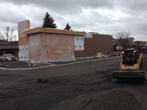 commercial-wendys-kingston-gardiners-road-flagship-store-new-design-first-in-ontario-8-exterior-with-window-frames-and-finishes-1-web