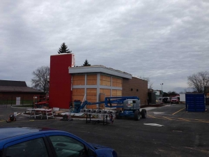 commercial-wendys-kingston-gardiners-road-flagship-store-new-design-first-in-ontario-9-exterior-with-window-frames-and-acm-panels-web