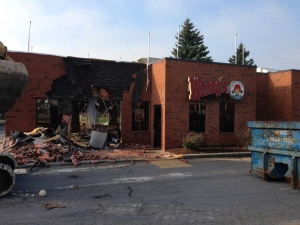 commercial-wendys-kingston-gardiners-road-flagship-store-new-design-first-in-ontario-exterior-demolition-1-web