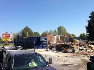 commercial-wendys-kingston-gardiners-road-flagship-store-new-design-first-in-ontario-exterior-demolition-3-web