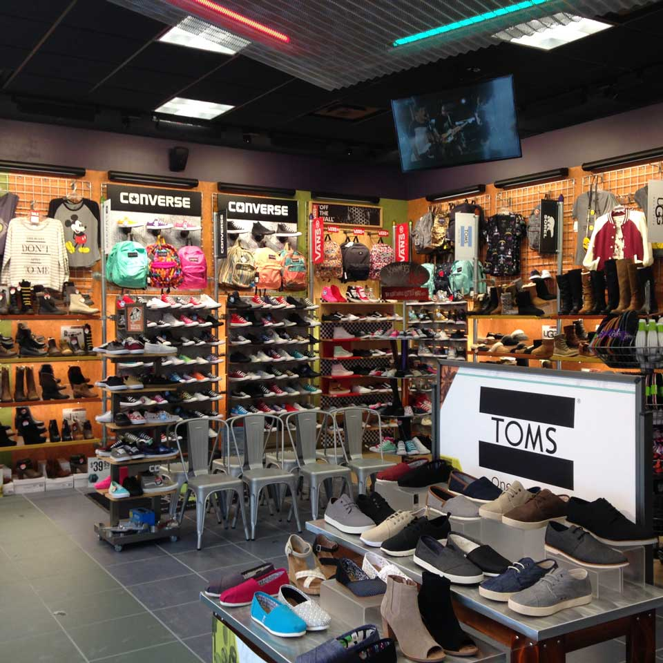 journeys shoe store 28 images journeys the mall at